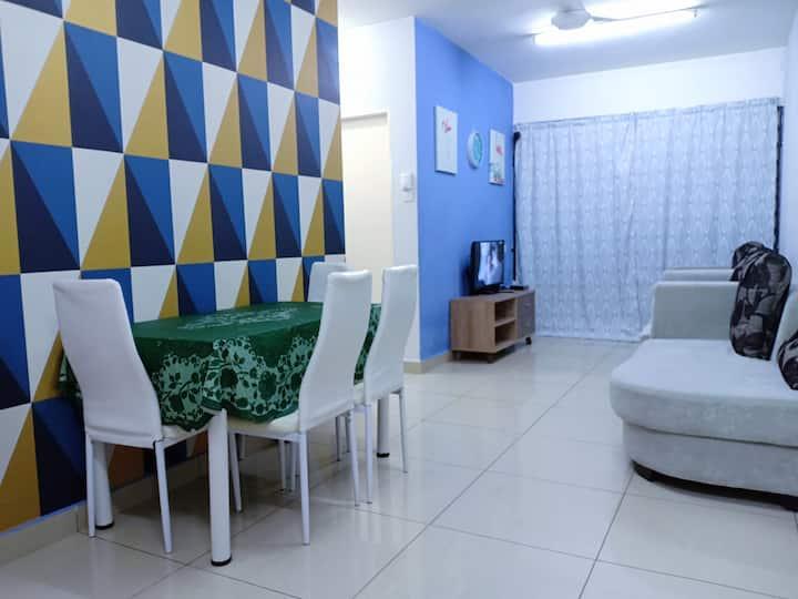 Homestay bajet (I)-3 bedroom (8 pax) ground floor