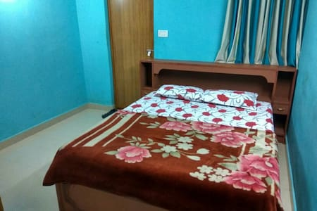 Deluxe Double Room - Munnar - Bed & Breakfast