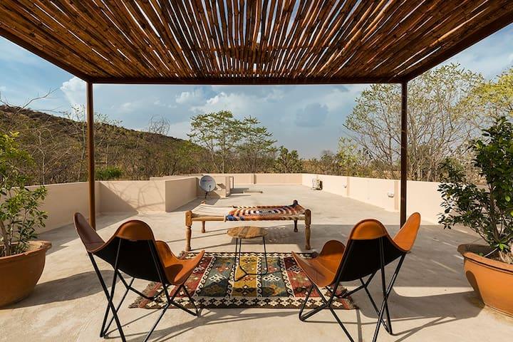 3 BR Villa w/ Pvt Lawn+Serenic View+Bonfire@Jaipur