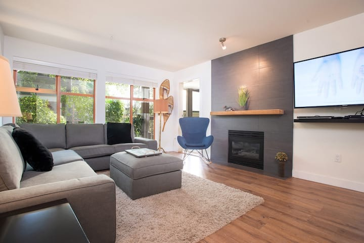Upgraded Townhome in Whistler Village, Pets, BBQ