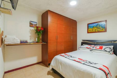 !2x1¡ !FREE WIFI¡ ¡FREE PICK UP! NEAR TO DOWNTOWN. - Bogota - Bed & Breakfast
