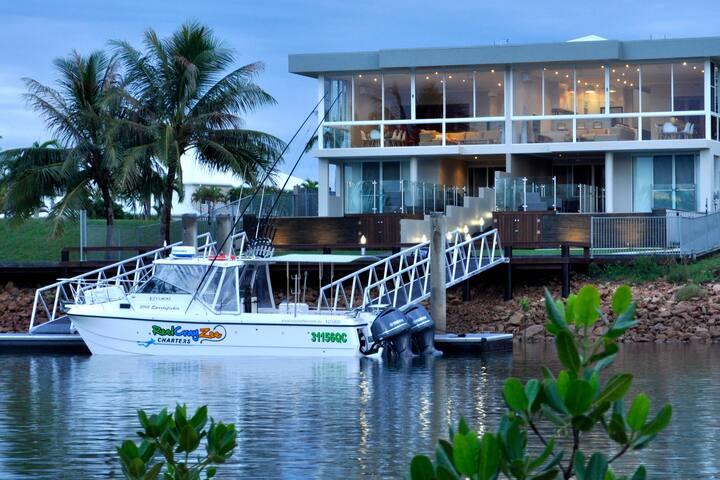 Anchora North Waterfront Villa pool and boat dock
