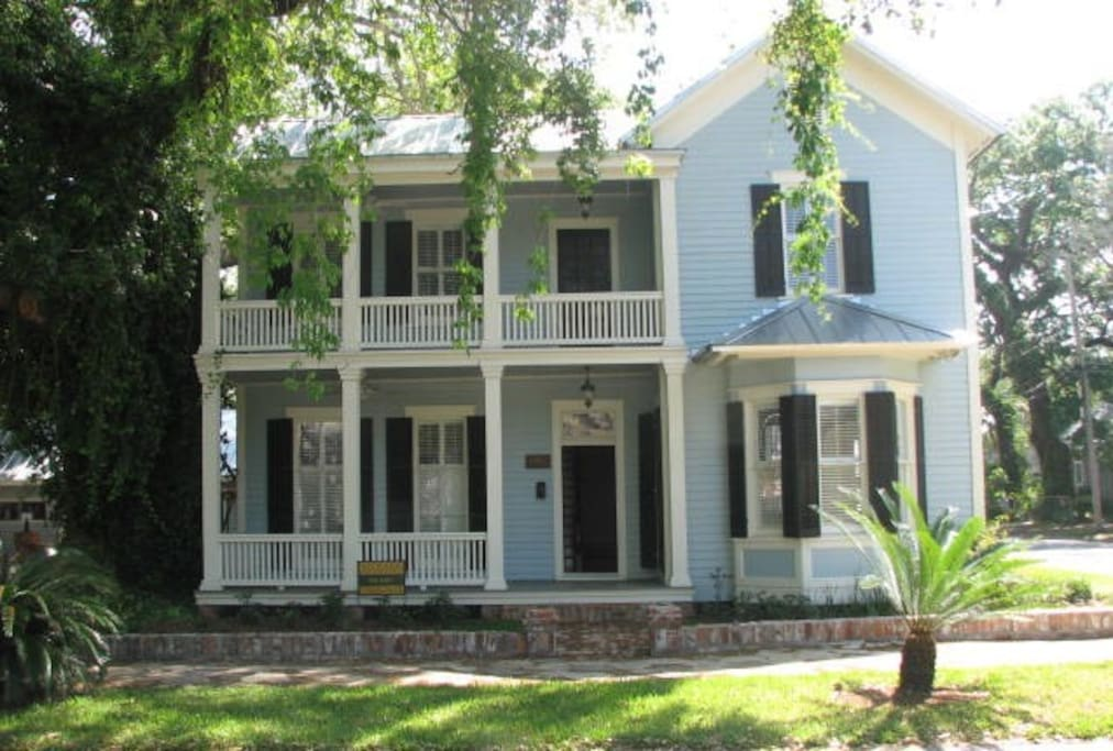 Grand Victorian Home With Courtyard Houses For Rent In Brunswick Georgia United States
