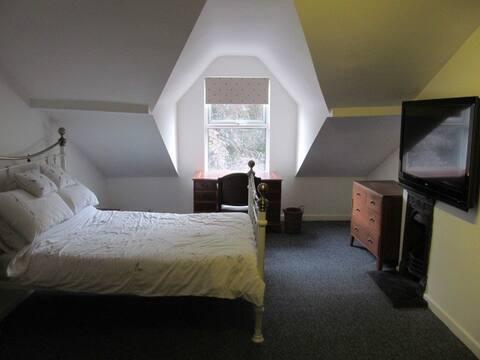 Comfortable Private Room 2