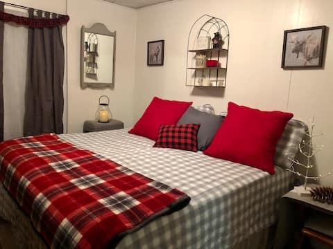 Cozy Apartment in Dannemora In the Adirondacks