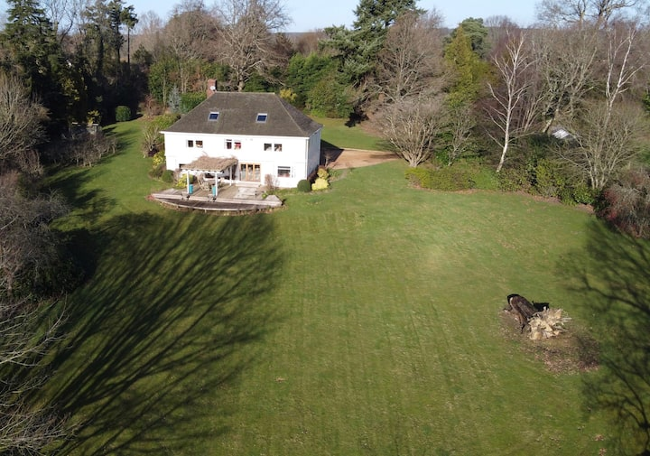 ⭐️STYLISH COUNTRY HOUSE FOR 10 ⭐️ STUNNING VIEWS⭐️