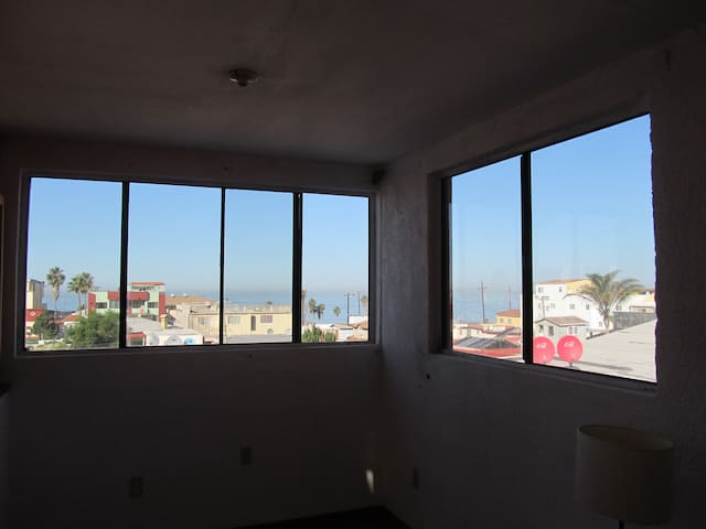Private studio, steps from the beach, great views - Tijuana - Huis