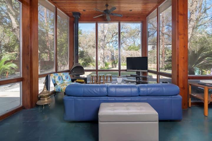 Luxurious Upscale 1BR in Exclusive Tarrytown Neighborhood. Treat Yourself to Comfort & Location