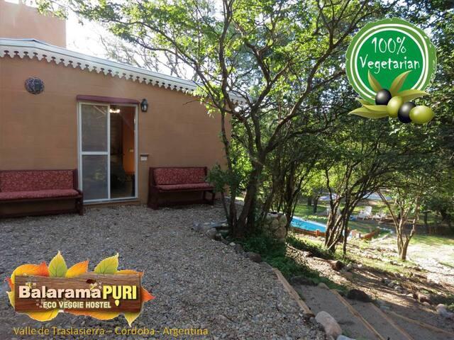 Balarama Puri - Eco Veggie Hostel (Habitación Sol)