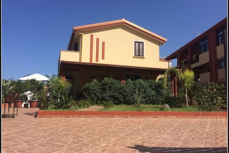Modern family-friendly house near Palermo - Villabate