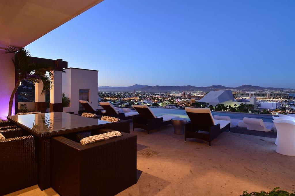 Villa-Vegas-Pool-Patio.jpg