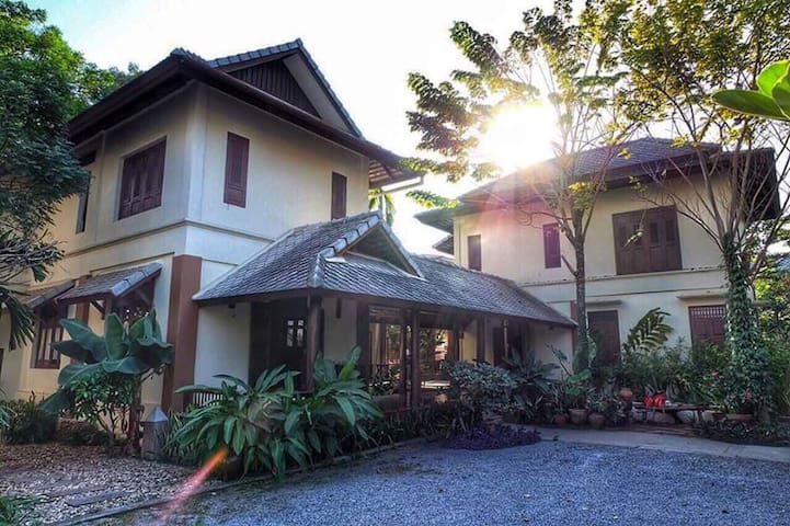 A spacious house with Charming rooms in Chiang Mai