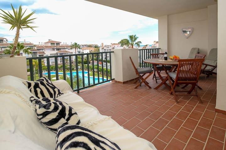 Modern apartment in Puerto Banus - Marbella - Apartment