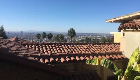 Peaceful Luxury in Los Feliz/Hollywood Hills-VIEW!
