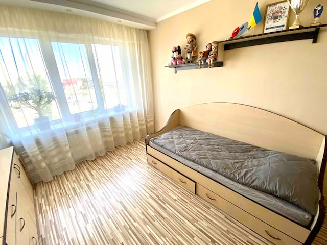 Beautiful room near Dnipro river, Obolon`