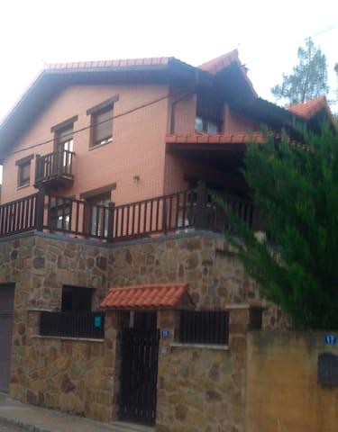 Apartamento para tres personas, Cañón de Rio lobos