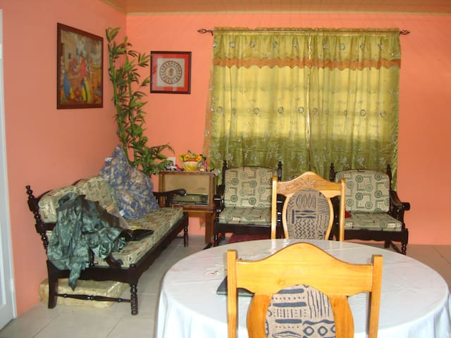 Very comfortable apartment for rent - Chaguanas - Huoneisto
