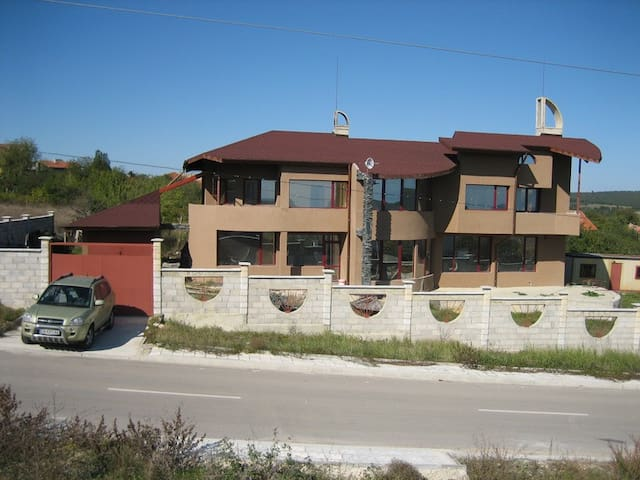 A spacious and sunny villa - Varna