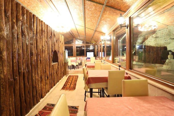 Nar Cave House - Nar Belediyesi