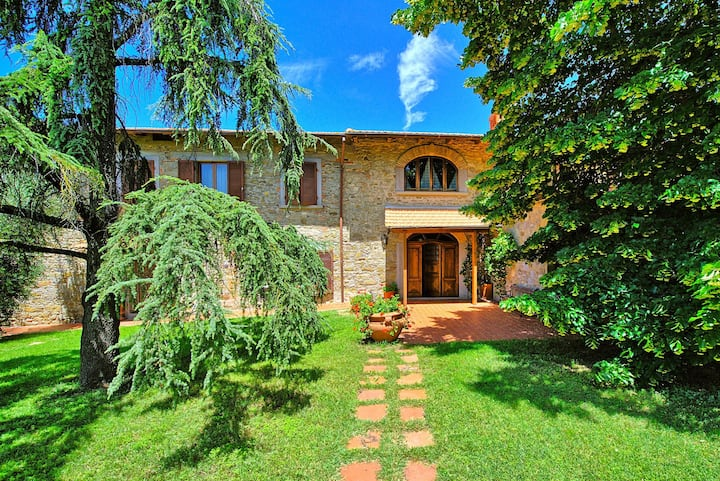 Villa Lorena - Country House in Valdarno, Tuscany