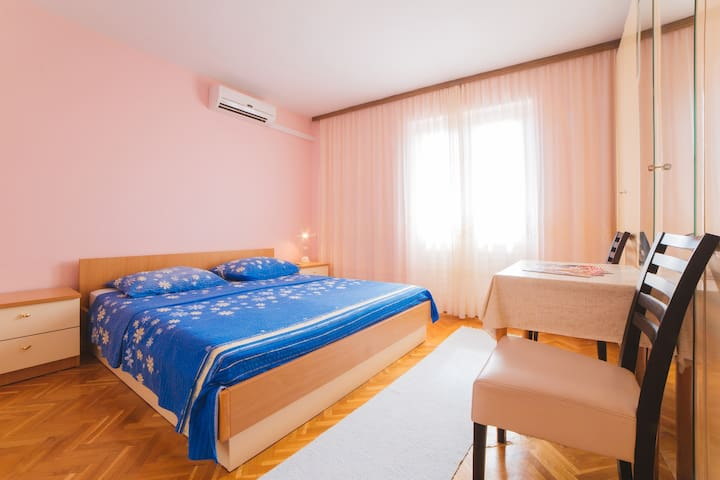 Cozy double bedroom 2 - Makarska - Huis