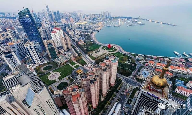网红地段,紧临五四广场第三海水浴场,观赏上合峰会灯光秀最佳位置。
