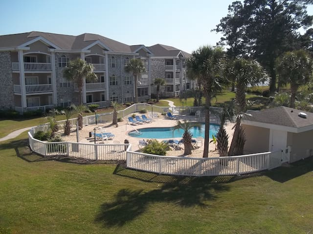 Comfy Condo 2 BR w/2 King Beds *Beach Minutes Away