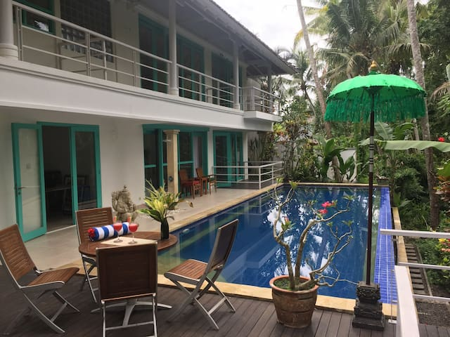 1 Bedroom in beautiful Ubud Villa - 烏布德 - 家庭式旅館