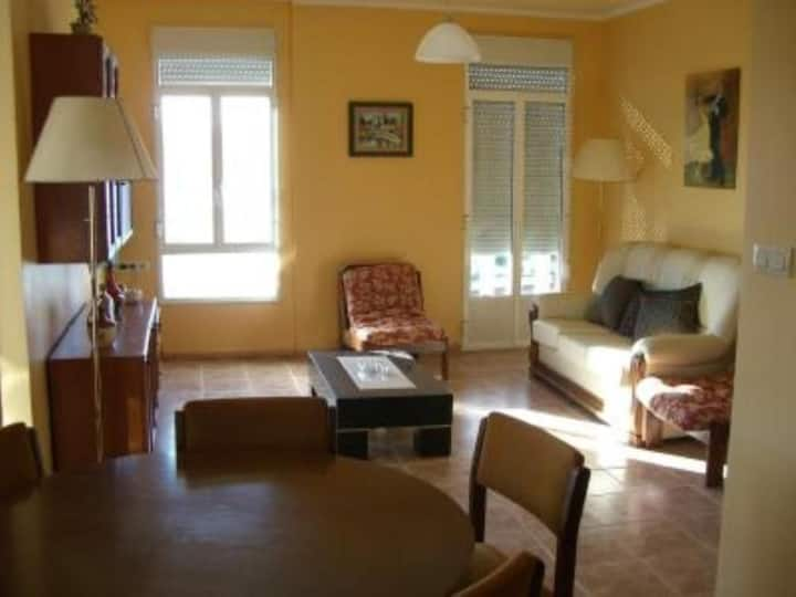 Apartment - 3 Bedrooms with Sea views - 101872