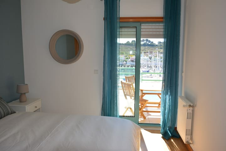 Beautiful Apartment In Albufeira Marina