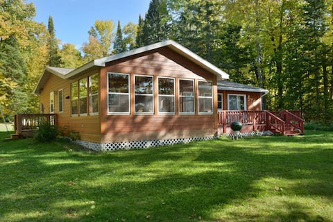 Eberts Hideaway ~ Lake Namakagon - Hosted by North Country Vacation Rentals
