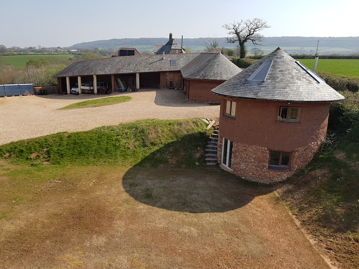 The Gatehouse unique cosy round cob retreat for 2