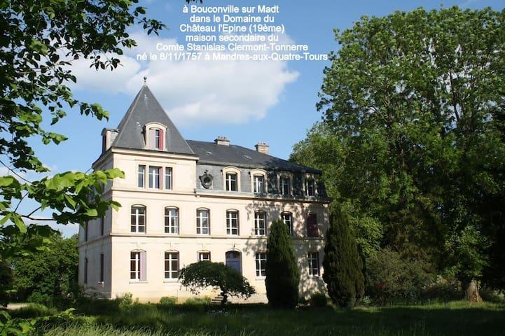Villa 200 m² dans le Domaine du Château l'Epine
