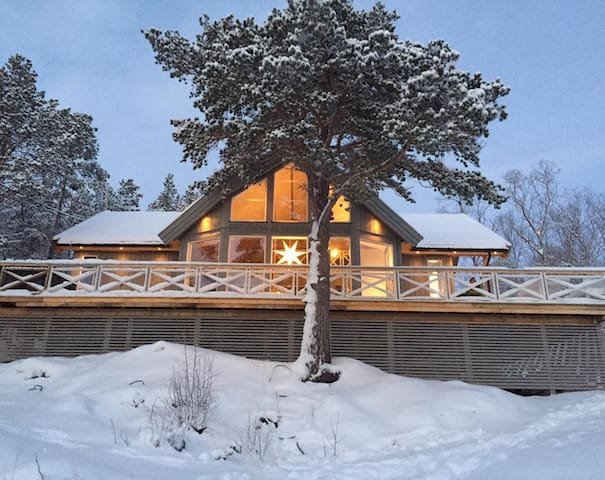 Modern cabin in beautiful Malangen