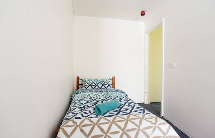 Central Melbourne Private Room 8