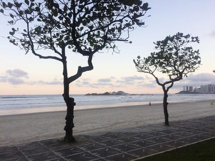Apto Guarujá, Pitangueiras - 2 minutos da PRAIA!