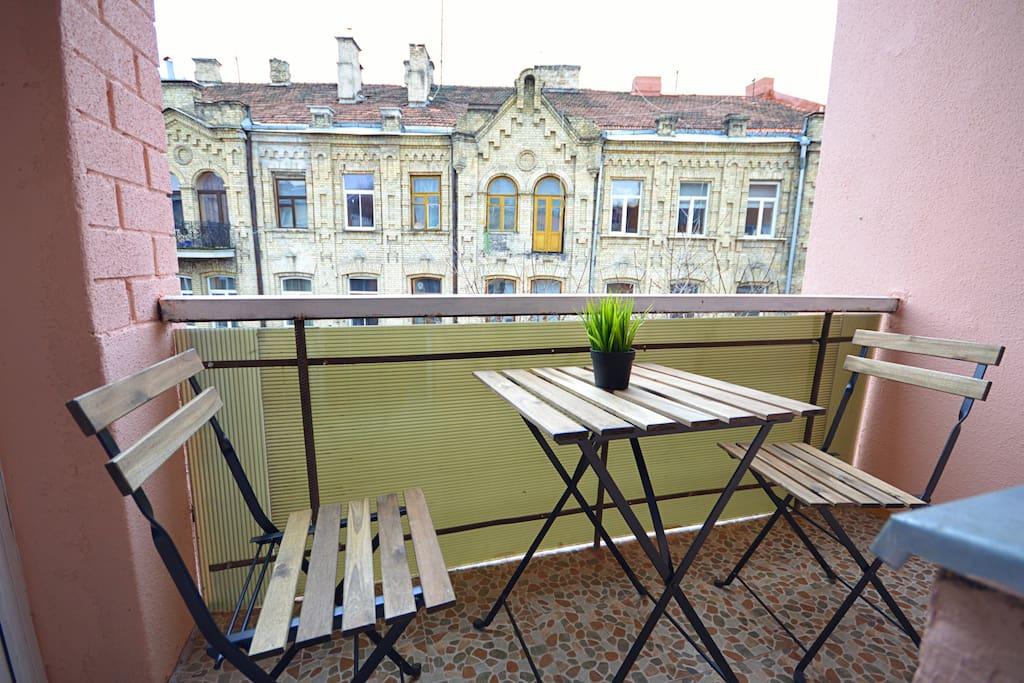 Spacious balcony!