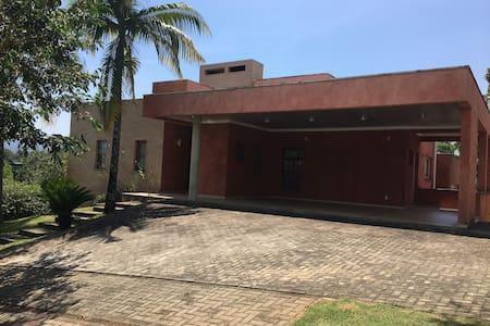 Casa Condomínio Ibirapitanga Arujá/ Sta Isabel