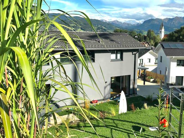 Gemütliches Apartment mit Bergblick