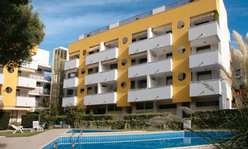 Residence Arpa - with swimming pool and parking