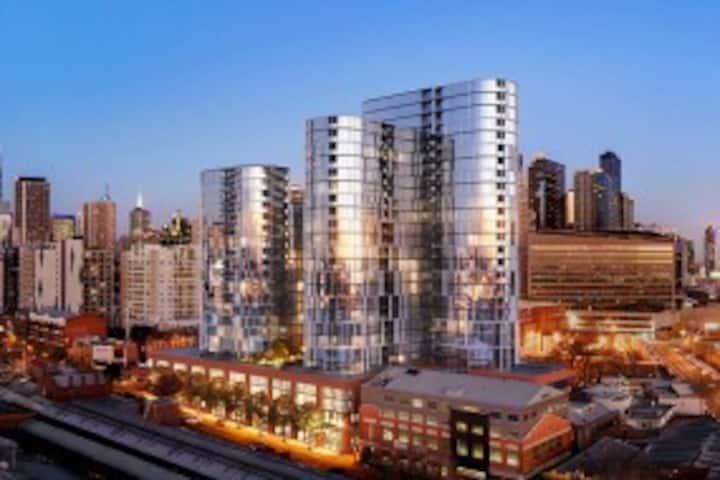 ⋆Amazing⋆ City Skyline 1BD >Edge of CBD | CARPARK
