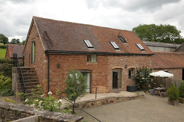 Trap Cottage, Tugford Farm Holiday Cottages