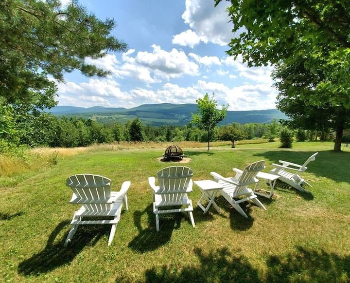 Wow! Panoramic Mountain View, Minutes to Windham!