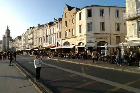 Studio Vieux Port de La Rochelle avec WiFi - La Rochelle - Flat