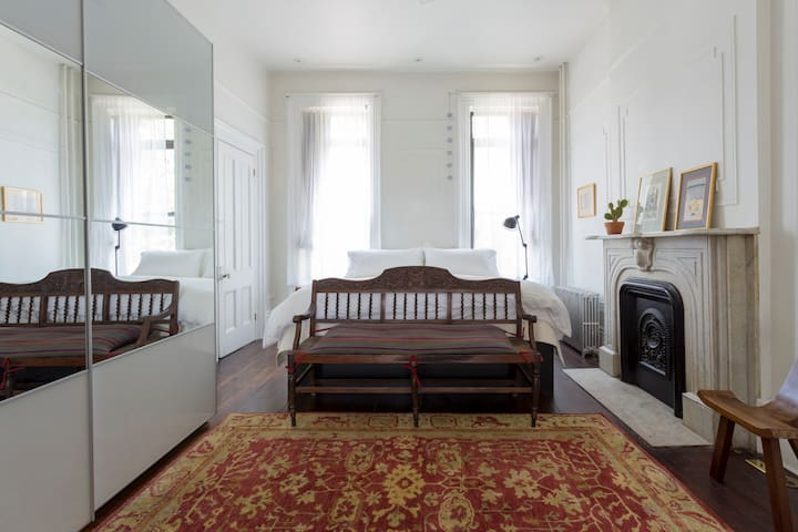 Spacious and Sunny Greenpoint Townhouse