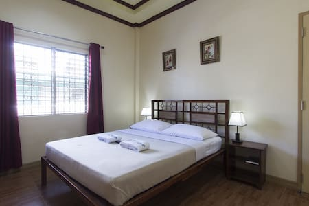 Deluxe Room with 1 Queen Sized Bed - Tagbilaran City - Rumah