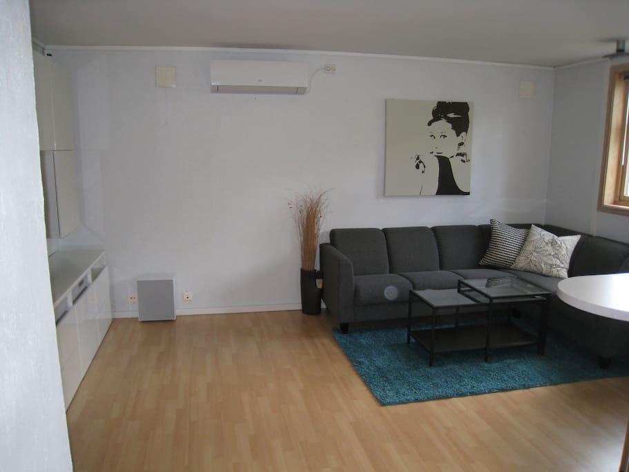 Livingroom area with underfloor heating