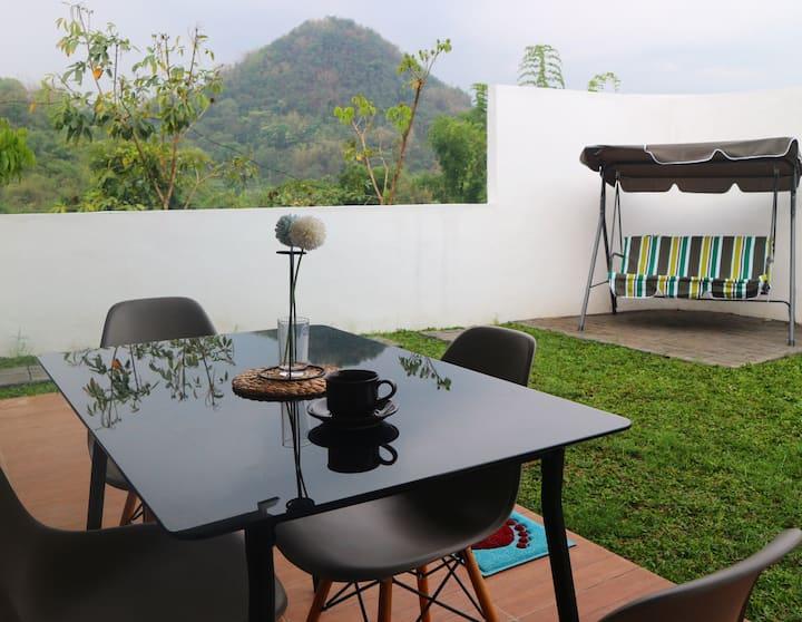 Pemandangan mewah ini hanya ada di Hannaz Villa