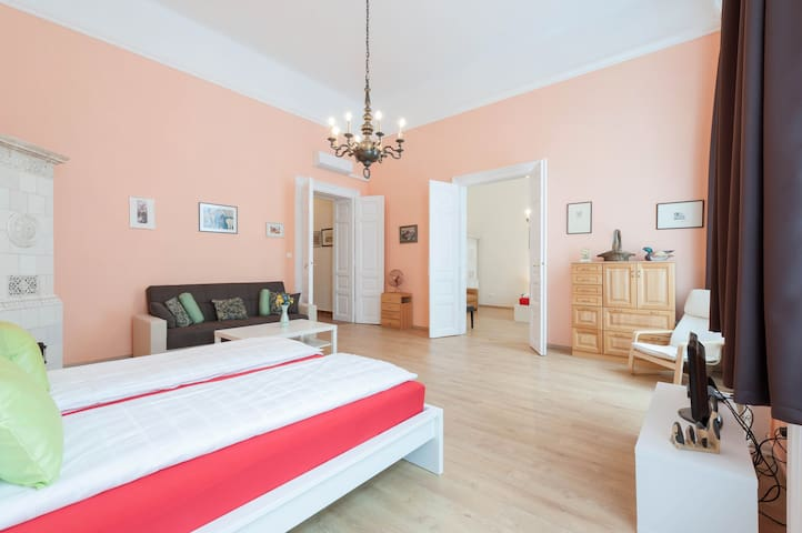 Basilika Square Apartment  sleeps 6 - Budapest - Lägenhet