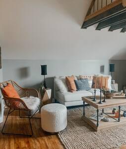 Rustic Roost Studio Apartment